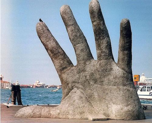 Mão aberta - Veneza - Itália