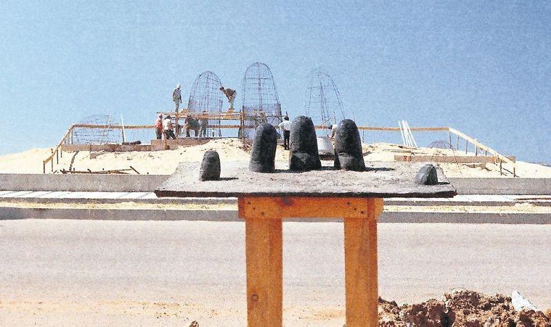Construção do Monumento al Ahogado - Punta del Este - Uruguai