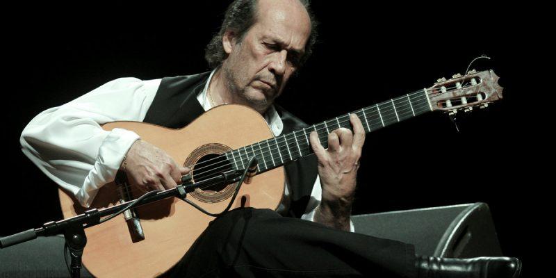 Brasil e Espanha na guitarra de Paco de Lucia