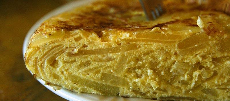 Receita de Tortilla de Patata (Torta de Batata)