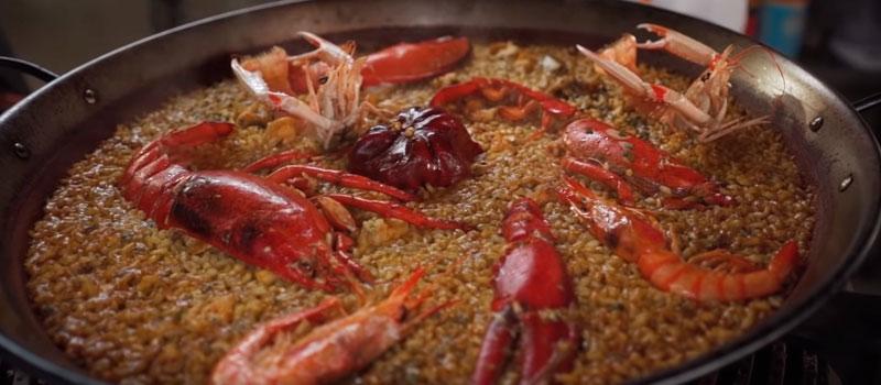 Paella - tradicional prato da culinária espanhola